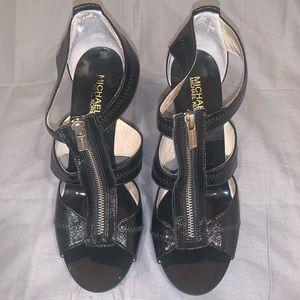 Michael Kors Berkley T-Strap Black Sandal Size 10
